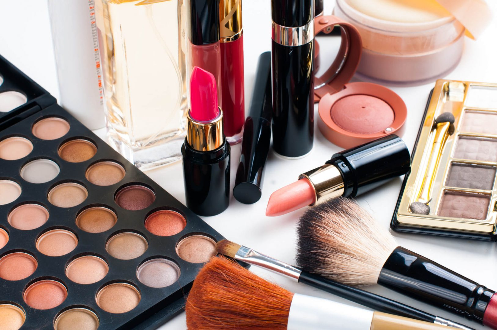 How To Start An Online Beauty Supply Store: Step-by-step Guide